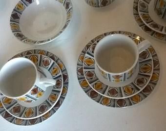 Tea set, mid century, Broadhurst Kathie Winkle 'Mexico' six cup retro tea / coffee pot set with plates, sugar bowl and creamer