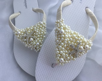 Wedding Flip Flops, Ivory Pearls Bridal Flip Flops, Starfish Wedding Flip Flops, Bridal Sandals, Beach Wedding Sandals, Wedding Flip Flops