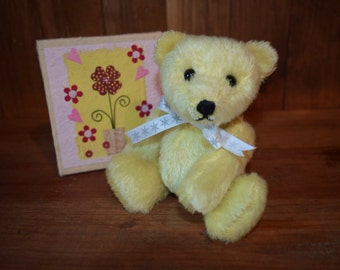 Sweetheart, a OOAK lemon mohair bear