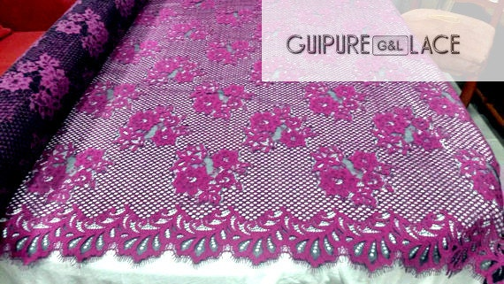guipure Belgium in a grid with beautiful edges