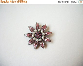 ON SALE Vintage Pink Rhinestones Faux Pearl Pin 843