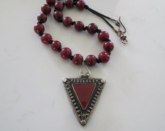 Burgundy vintage Nepal glass round beads Afghan silver agate pendant  FREE SHIPPING WORLDWIDE