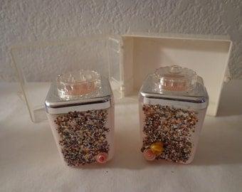 Vintage Sooooo Cute Plastic Glittery Salt and Pepper Shaker Set