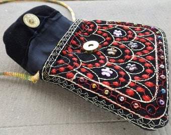 Small shoulder vintage bag / purse embroidered by hand made in India / purse with beads multicolor vintage