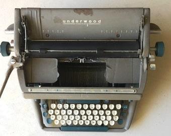 Vintage 1950's / 1960's UNDERWOOD Golden Touch Typewriter