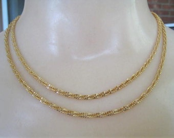 Gold Tone Necklace with Twisted Design