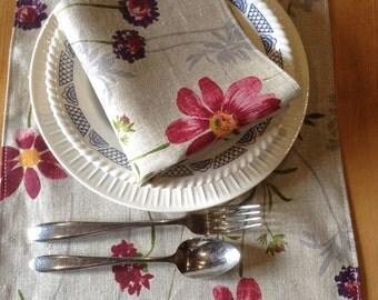 Table Runner with 4 Napkins. Handmade in Linen.
