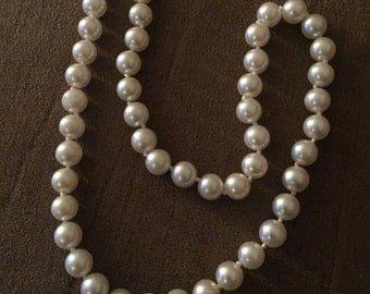 """Vintage Faux Pearl Necklace 16"""" long single strand"""