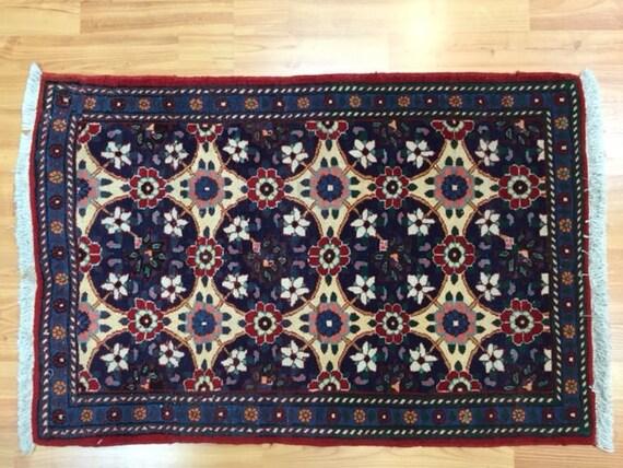 "2'1"" x 3'1"" Persian Isfahan Oriental Rug - Fine - Hand Made - 100% Wool"