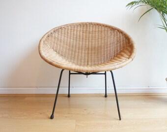 Mid century 50's 60's wicker hoop chair