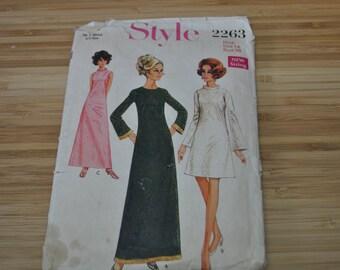 Vintage Dress Pattern. 1968.  Style 2263.  Single size Pattern Size 14 Miss. Bust 36.
