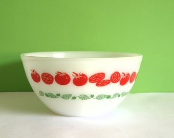 Vintage Retro Crown Agee Pyrex Tomatoes Harvest - Red & Green Pattern - 60s Mixing Nesting Bowl - Made in Australia