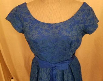 "LOWER PRICE Vintage Dark Blue Lace Organza Prom/Wedding Dress 1960's Size Large Classic 38"" Bust Reduced 40%"