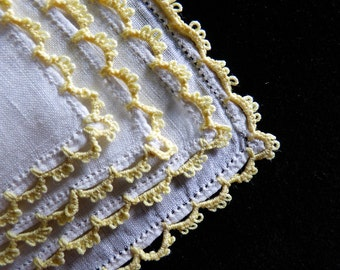 Lovely crochet lace little hankie. 1920s