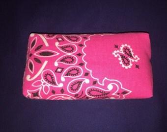 Pocket Tissue Holder (Tissues Inculded)
