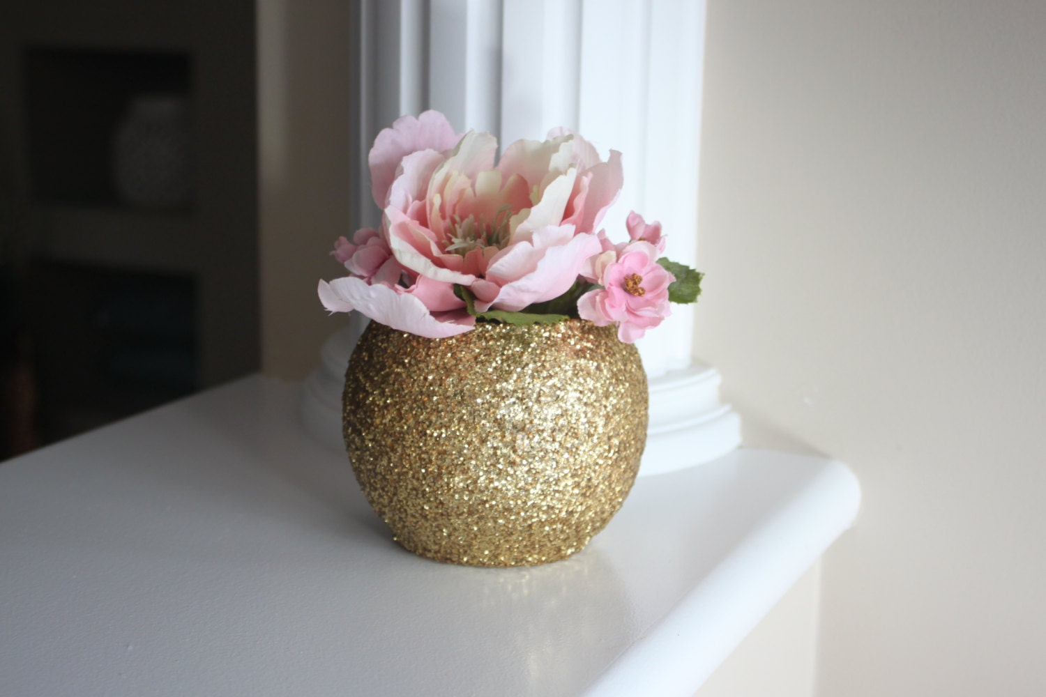 Gold centerpiece round vase wedding