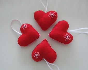 Set of 4 red felt harts, handmade - great for valentine or a wedding -