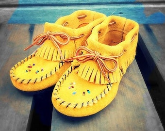 Children's hand made, Native, fringed moccasins