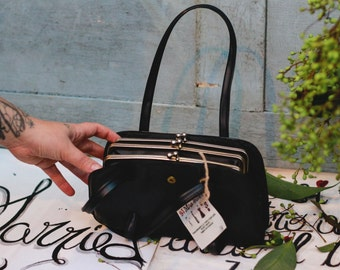Hand bag faux leather.