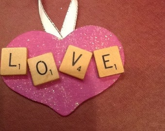 Love Ornament (pink)