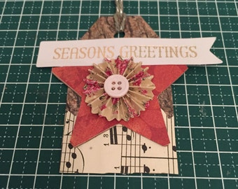Gift tag Seasons Greetings