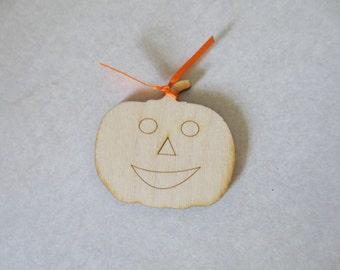 Pumpkin wooden happy (20)