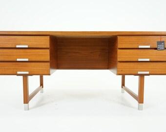 305-156 Danish Mid Century Modern Teak Writing Desk Kai Kristiansen