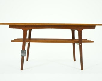 305-067 Danish Mid Century Modern Teak Coffee Table