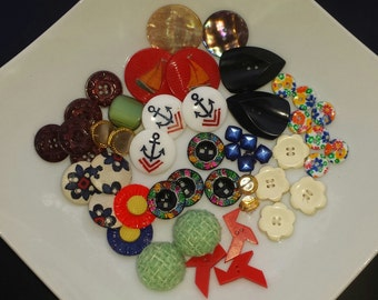 Lot of various colors vintage buttons