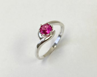 925 Sterling Silver Ring with created Ruby Red. Round 5mm. Jewelry. US@GEMS