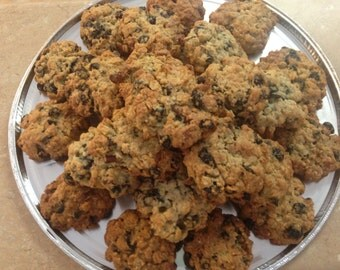 1 Dozen Oatmeal Raisin Cookies