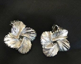 Earrings, Lisner, silver tone, four leaf, 4 leaf clover, FREE SHIPPING