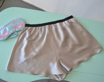 Classic Tap Shorts Silk Lingerie under-garment in Grey Size Medium