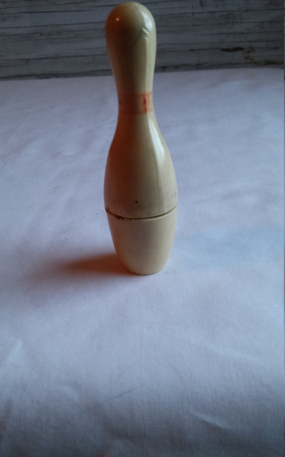 "Vintage 1946 KEM Inc. Lighter in The Shape of a Bowling Pin. Manufactured in Detroit, Mich. Lighter is under 3""."