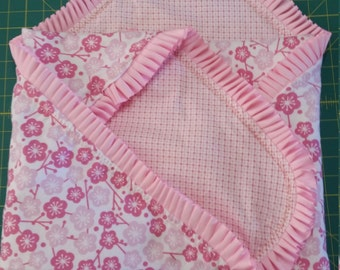 Ruffled Blanket Set