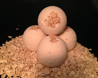 Milk, honey, and oats bath bomb/bath fizzy