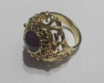Vintage 18K Yellow Gold Ring With Rose Cut Cranberry Garnet