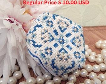 Сlearance Sale!!!! Pincushion Biscornu Cross stitch Pin cushion Embroidered Biscornu Winter