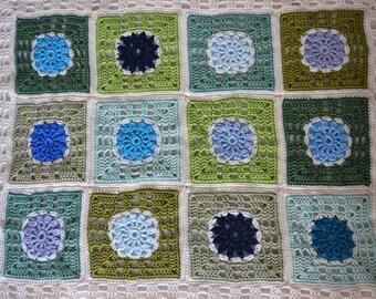 Crochet baby blanket ' Blue Daisy '