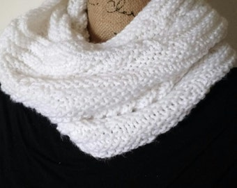 Leaning Tower Cowl, White Scarf, White Cowl