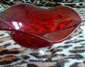 """Hand Blown Serving Glass Bowl 9x9"""" Red Flower Petal with Clear Base, Candy Dish or Artistic Centerpiece"""