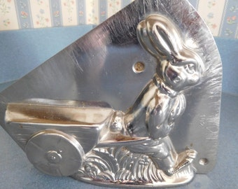 Rabbit Pulling Cart by Horlein #3037 Vintage Metal Candy Mold