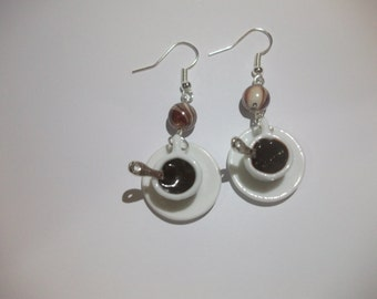 Earrings of the cups with chocolate cup