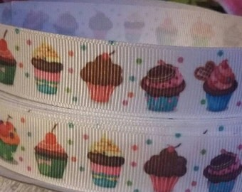 3 yards, 7/8' grosgrain ribbon with cupcake design