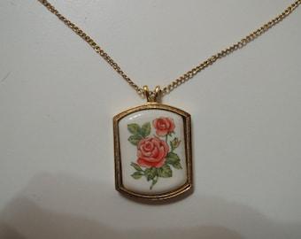 AVON collier / necklace vintage (painted floral square)