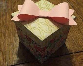 "2.5"" Cube Paper Gift Box with Bow"