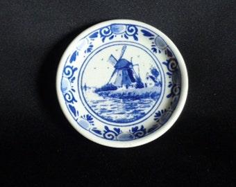"Vintage Elesva Holland Hand Painted Delft Mini Porcelain Plate, 2 1/2"""