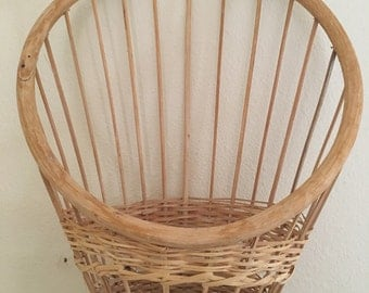 Vintage wood & wicker wall hanging planter - mid century ish - boho