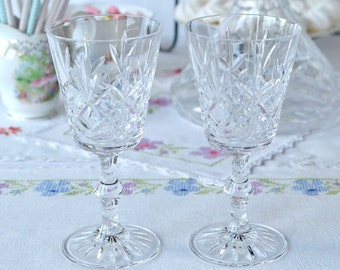 ... with etched base, great for a party or a lovely wedding / bridal gift