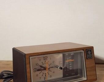 Great General Electric Ge 7-4550a Mid-century AM/FM Alarm Clock Radio